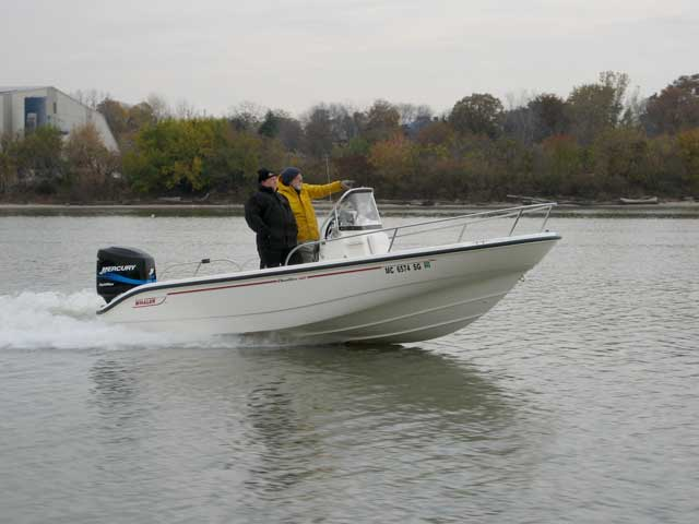 Photo: Boston Whaler DAUNTLESS 18 underway in Maumee River, Toledo, Ohio.