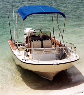 Classic Whaler: Boston Whaler: Reference: Outrage 18