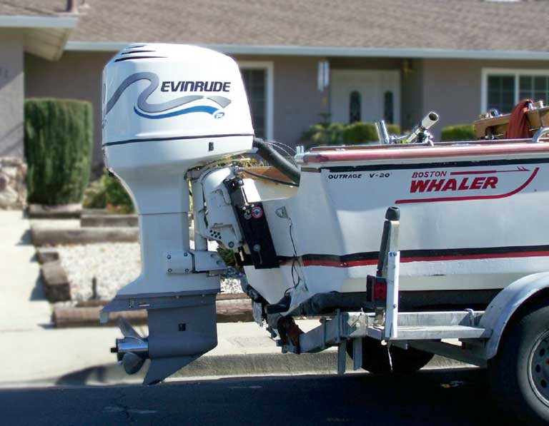 Look at the picture of this evinrude engine on a jack plate. I\u0027d say this engine is mounted just a little to high However it might suit his application ... & Jack Plate adjustments - Bass Fishing Forums - The Bassholes