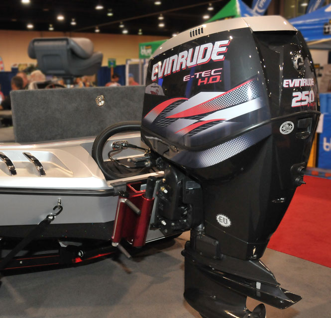 E-TEC outboard with Graphic Series color scheme. Note EU sticker indicating qualified for sale in European Union, and Three-Star sale, indicating qualified for sale in California.