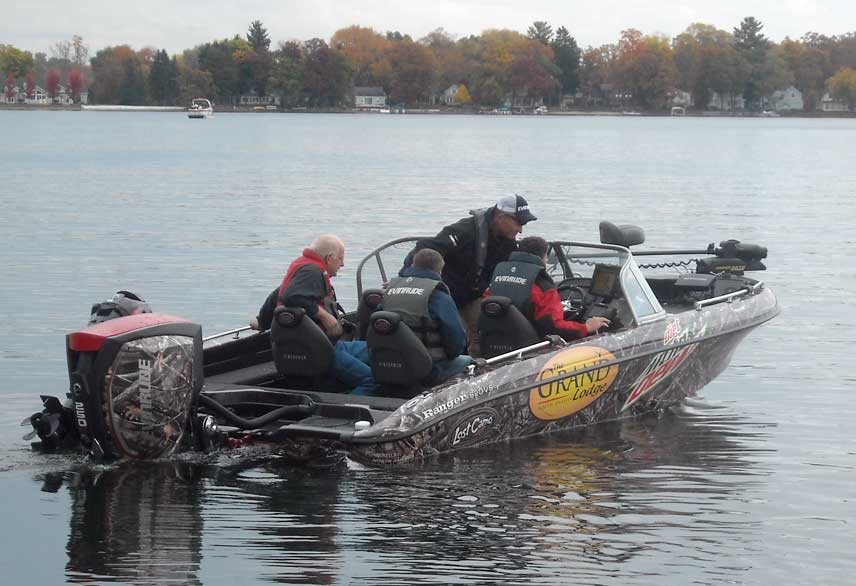 Photo: Specialized angler's boat with Camo-theme.