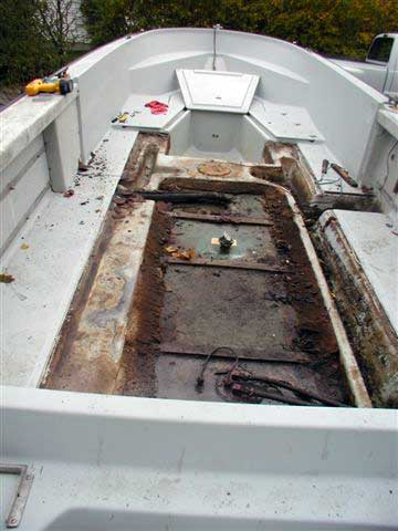 Classic Whaler: Boston Whaler: Reference: Center Deck Repair